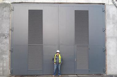 Large-size steel gates